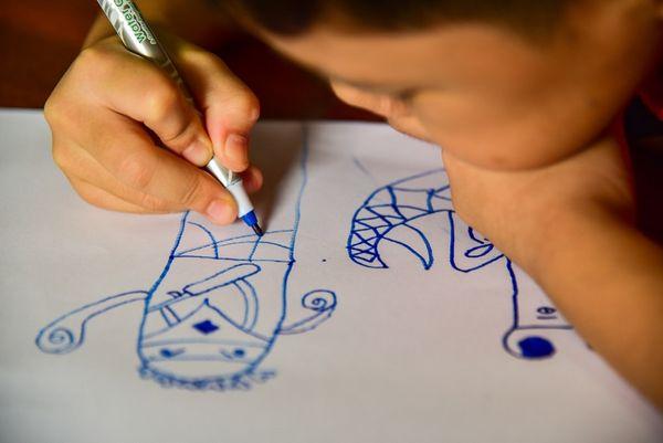 Barn tegner 01